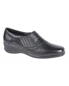 Punched Twin Gusset Casual Shoe